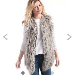 🆕️ NWT Plus Size Faux Fur Vest Sz 2X-READ